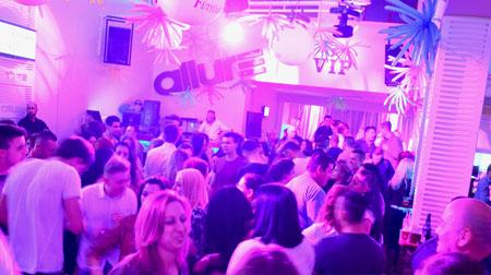 11Retro Party DJ