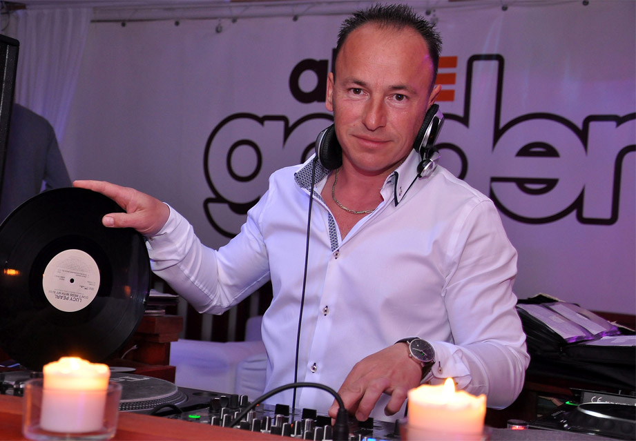 11Budapest Retro DJ